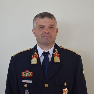 Pákai László